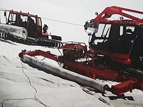 Pisten Bully2 mit Wickelmaschine Snowfarming